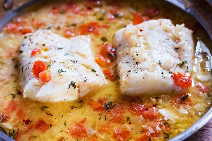 Тушкована риба з томатами по-сицилійськи: пальчики оближеш!